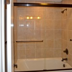 Frameless Tub Door 2
