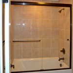 Frameless Tub Door 3