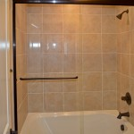 Frameless Tub Door 4